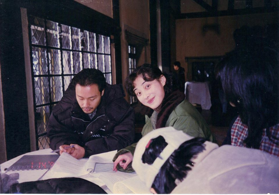 Mei-Ting and Leslie going over the script between takes.